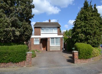 Thumbnail 3 bed detached house for sale in Oakdene, Cheshunt
