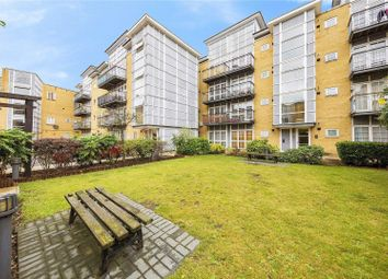 3 bed flat to rent in Amber Court, High Street, Romford RM1