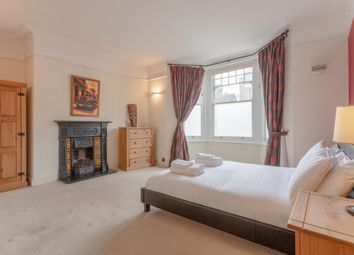 2 bed flat to rent in Elmhurst Mansions, Edgeley Road, London SW4