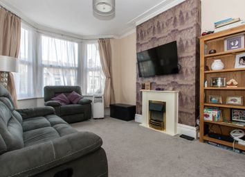 Thumbnail 2 bed flat for sale in Hainault Avenue, Westcliff-On-Sea