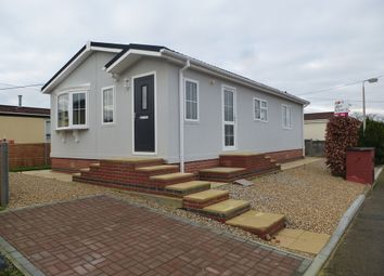 Thumbnail 1 bed mobile/park home for sale in The Willows, Grove, Wantage