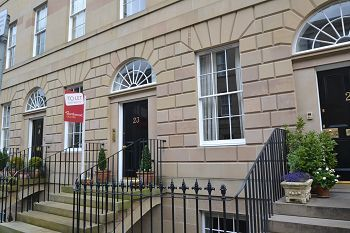Thumbnail 2 bedroom flat to rent in Clarence Street, Edinburgh
