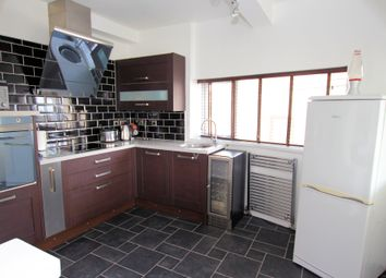Thumbnail 2 bedroom flat for sale in Trescobeas Road, Falmouth