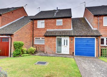 Thumbnail 4 bed link-detached house for sale in Stapleton Close, Marlow