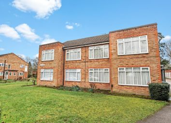 2 bed maisonette to rent in The Woodalnds, Stanmore HA7