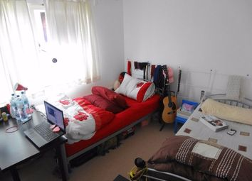 Thumbnail 2 bedroom flat to rent in Pickering Road, London