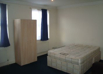 Thumbnail 3 bed flat to rent in Moray Road, Finsbury Park, London