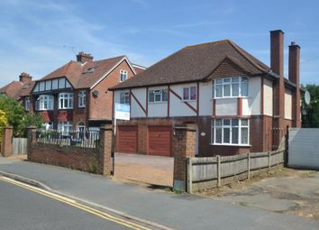 Thumbnail 5 bedroom detached house to rent in Sidney Road, Walton-On-Thames
