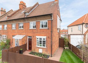 2 bed property for sale in Leatherhead Road, Chessington KT9