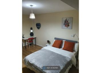 Thumbnail Room to rent in Croombs Road, London