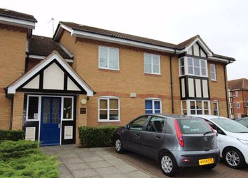 Thumbnail 2 bedroom flat for sale in Redwood Gardens, North Chingford, London