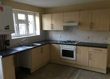 Thumbnail 1 bed flat to rent in Victoria Avenue, Romford