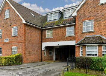 Thumbnail 2 bed flat to rent in Brighton Road, Lower Kingswood, Tadworth