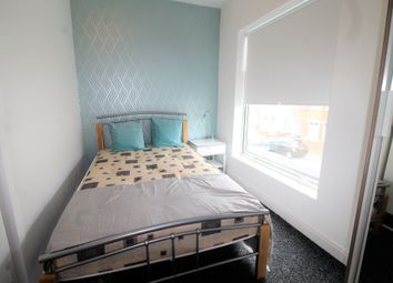 Room to rent in Room 2, Widdrington Road CV1
