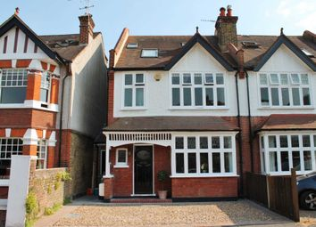 4 bed semi-detached house to rent in Lime Grove, New Malden KT3