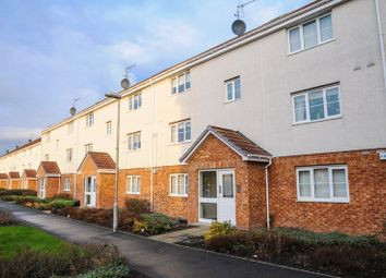 Thumbnail 2 bed flat for sale in Stirrat Crescent, Paisley