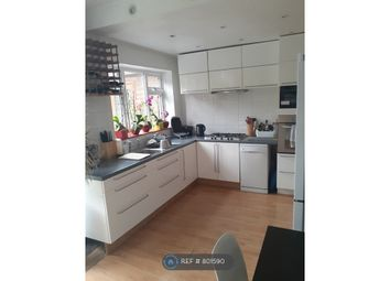 Thumbnail Room to rent in Living Room - 80 Ashcroft Road, Luton