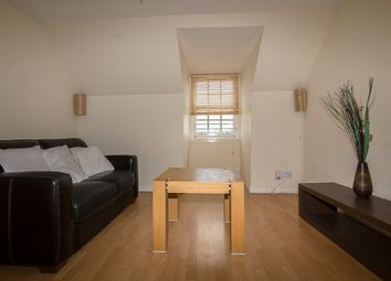 Thumbnail 2 bed flat to rent in High Street, Kirkcaldy