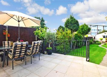 Ascot Close, Hainault, Ilford, Essex IG6. 3 bed terraced house