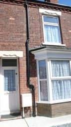 Thumbnail 3 bedroom terraced house to rent in Charlton Villas, Hull