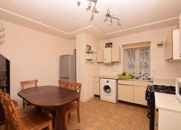 Thumbnail 4 bed flat to rent in New North Road, Islington