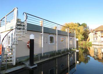Hartford Marina, Banks End, Huntingdon, Cambridgeshire PE28. 2 bed houseboat for sale