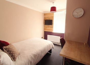 Thumbnail Room to rent in Faringdon Road, Swindon