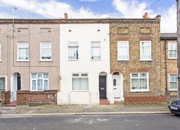 Thumbnail 3 bed flat to rent in Garfield Road, London