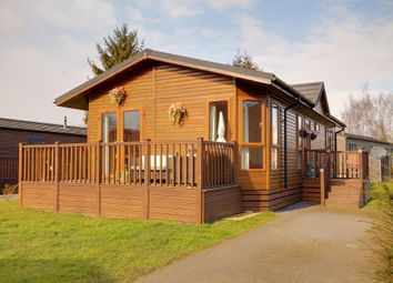 Thumbnail 2 bed mobile/park home for sale in Roydon, Harlow