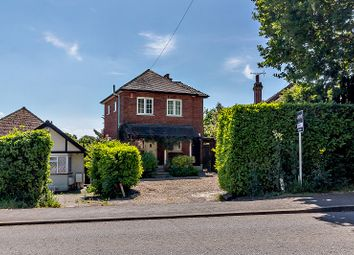 Potter Street, Pinner, Middlesex HA5. 4 bed detached house