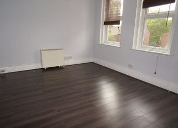 Thumbnail 3 bed flat to rent in High Road, East Finchley