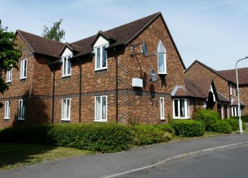 Thumbnail 2 bedroom flat for sale in Cherry Grove, Hungerford