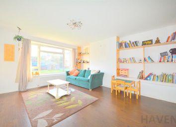 Thumbnail 2 bedroom maisonette to rent in Netherwood, East Finchley, London