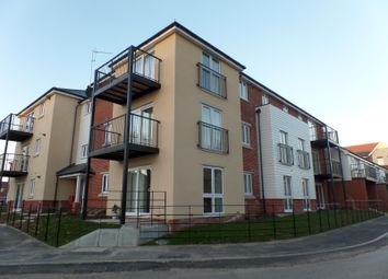 Thumbnail 2 bed flat to rent in Cavendish Drive, Locks Heath, Southampton