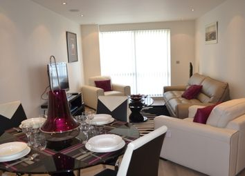 Thumbnail 1 bed flat to rent in Doulton House, Fulham