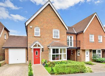 3 Bedrooms Semi-detached house for sale in Drovers Lane, Pulborough, West Sussex RH20