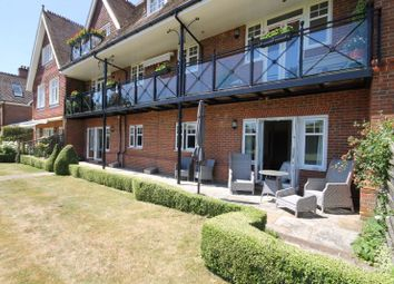 2 bed flat for sale in Guildford Road, Fetcham, Leatherhead KT22