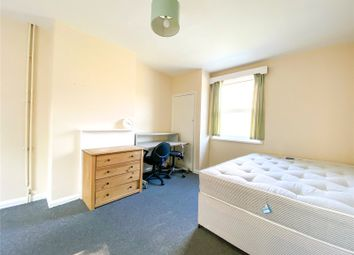 The Highway, Brighton BN2. Room to rent