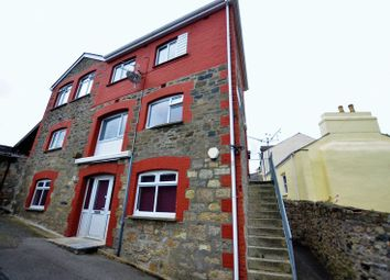 3 bed flat to rent in North Street, St. Austell PL25
