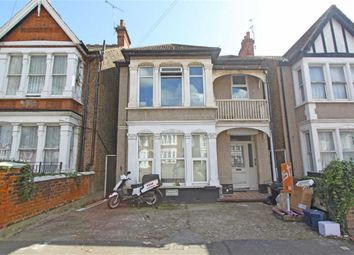 Thumbnail 1 bedroom flat for sale in Kilworth Avenue, Southend On Sea, Essex