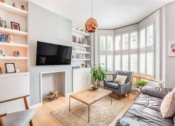 Beresford Road, London N8. 1 bed flat for sale