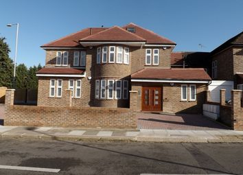 Thumbnail 2 bed property to rent in Ashcombe Gardens, Edgware