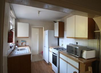 Thumbnail 5 bedroom shared accommodation to rent in Gregory Avenue, Lenton, Nottingham