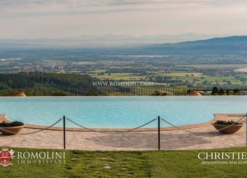 Thumbnail Leisure/hospitality for sale in Todi, Umbria, Italy