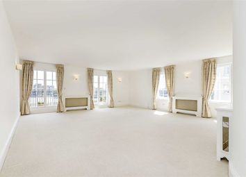 Thumbnail 3 bed flat to rent in Admiral Square, Chelsea Harbour, London