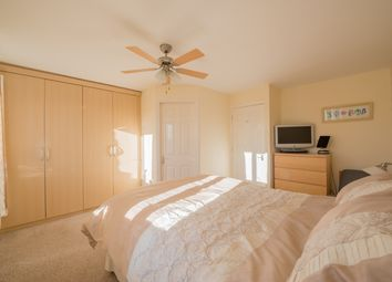 Thumbnail 4 bedroom town house for sale in Flossmore Way, Gildersome