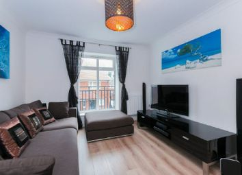 Thumbnail 2 bed flat to rent in Meadow View, Amersham
