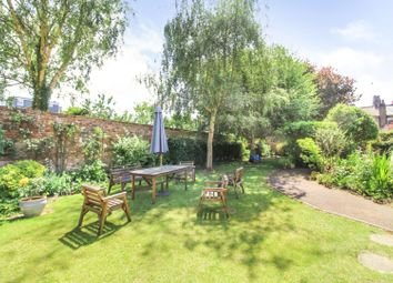 2 bed flat for sale in Godfreys Mews, Chelmsford CM2