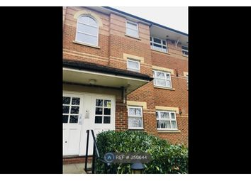 Thumbnail 2 bed flat to rent in Lincoln Court 14A, London