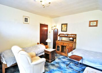 Thumbnail Room to rent in Park Avenue, Willesden Green, London